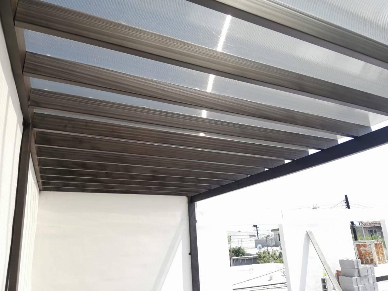 techo policarbonato corto